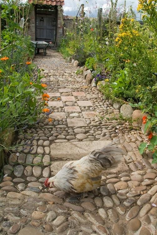 32 оригинальных садовых дорожки