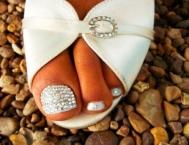 Педикюр: модные ноготки лета-2012 (36 фото)