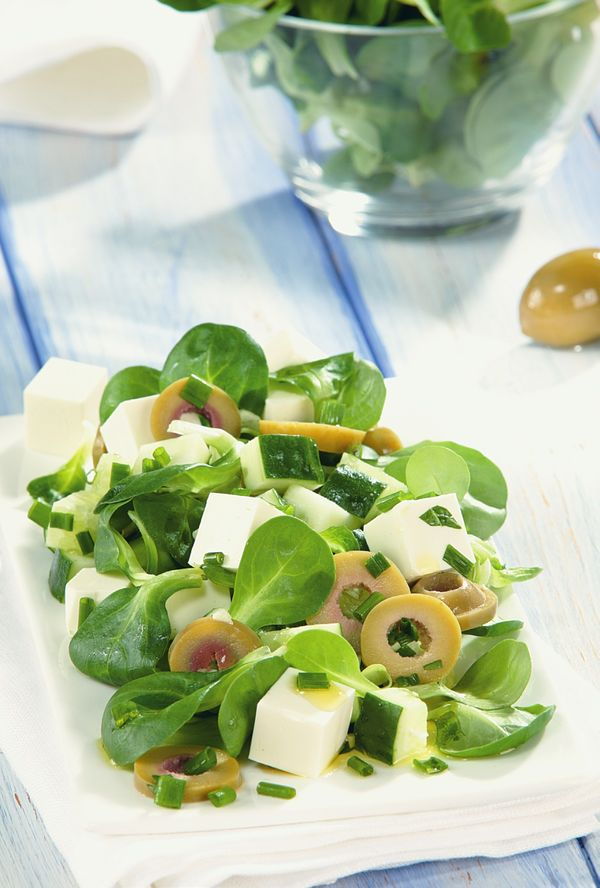 8 новогодних салатов, передо которыми непереносно устоять