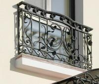 Кованая палисад ради балкона