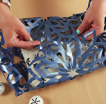 Оригинальная упаковка-снежинка для мягких подарков