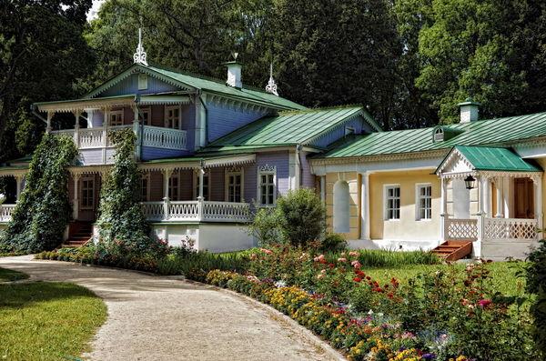 Что нынче стало с дачами русских аристократов?